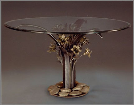 Lily Table